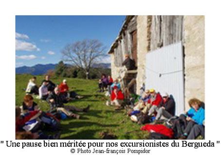AM 8O p 3  V2 une pause bien méritée pour nos excursionistes du Bergueda