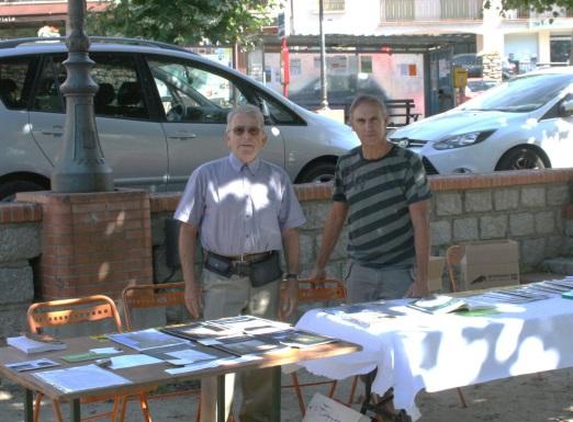 l'auteur (à droite) au Salon du Livre à Prats